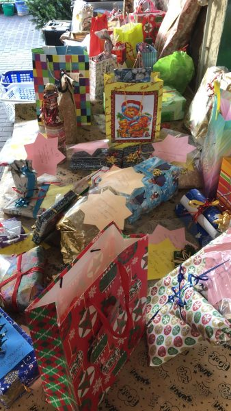 Von Großheubacher Bürgerinnen und Bürgern abgegebene Geschenke für Senioren.